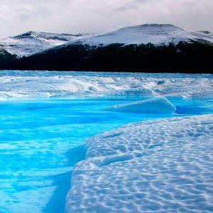 El nitrógeno en estado líquido alcanza temperaturas de -196ºC, más del doble de lo alcanzado en el lugar más frío de la tierra, en el corazón de la Antártida, cuya temperatura registrada es de -93ºC.