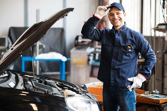 mantenimiento de automóviles con productos Criogas en industria automotriz